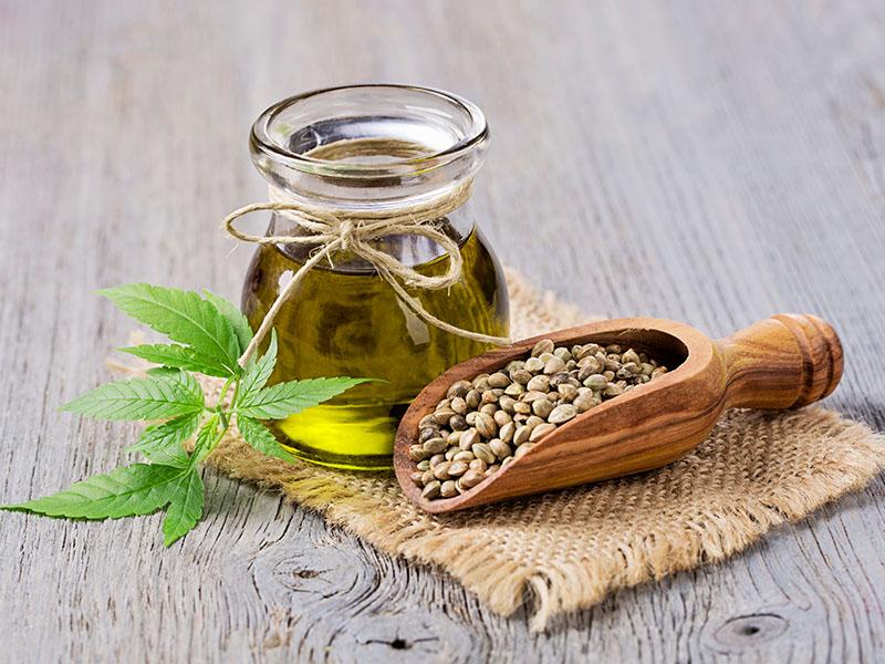 Kanapių aliejus yra natūralus Omega 3 ir Omega 6 riebalų rūgščių šaltinis