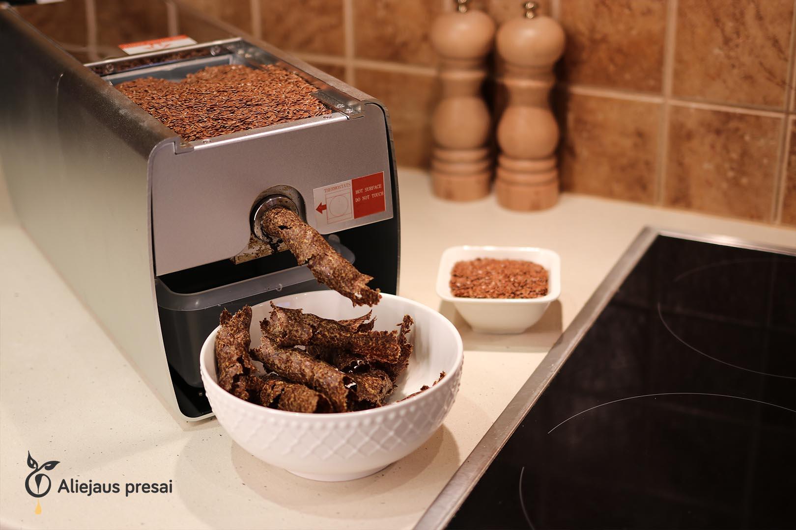 Linų sėmenų sėklų aliejaus spaudimas namų sąlygomis